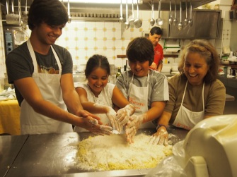 Il Ritrovo Cooking School Positano - Marylou teaching the kids to make gnocchi.