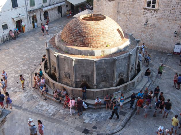 It is a 16-sided drinking fountain built by Onofrio de la Cava (1438. - 1444.). The Fountain is part of the town's water supply system which Onofrio managed to create by bringing the water from the well in Rijeka Dubrovačka. The well is located 20 km from Big Onofrio's Fountain and this construction was a masterpiece of that time.