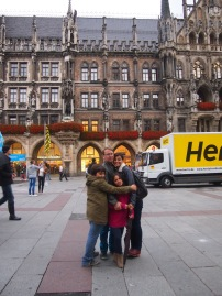 Cuddles in the main square -Marienplatz - Munich