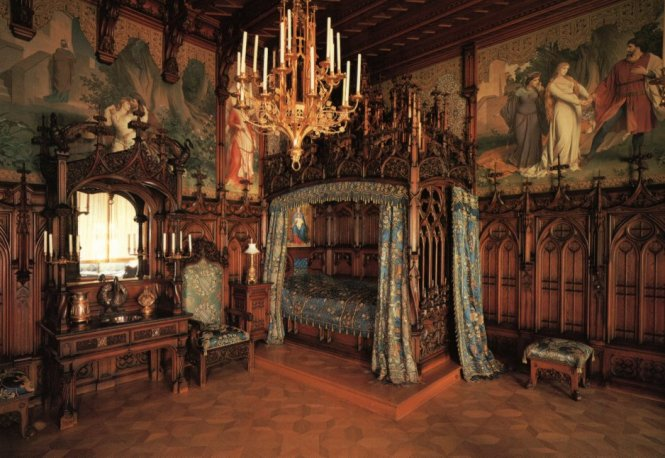 Neuschwanstein Castle Bedroom